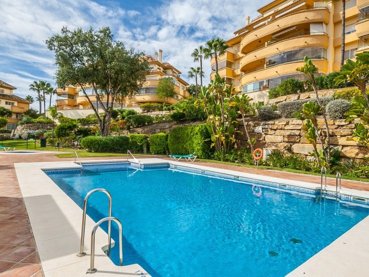 2 Bedroom Apartment  in Elviria